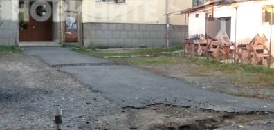 Прекъсване достъпа до жилищен блок
