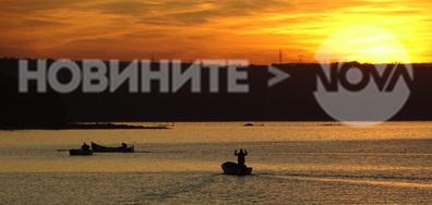 Залез над Варненското езеро
