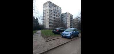 Паркиране в градинките