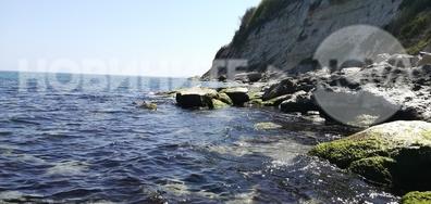 Морето в слънчевата почивна неделя!
