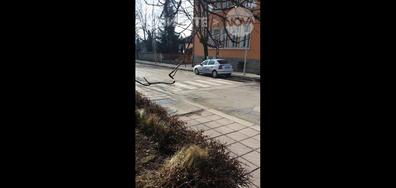 Неправилно паркирана патрулка