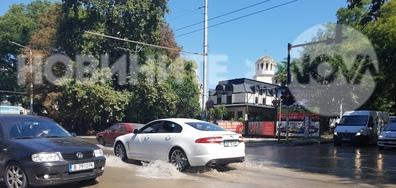 Наводнения на един от главните булеварди във Варна