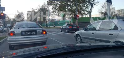 Как се спира на пешеходен светофар