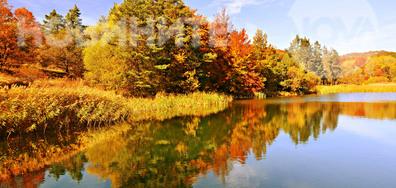 Красиво есенно огледало