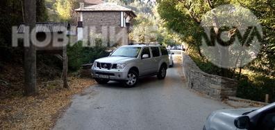 Затворено село - Ковачевица, запушена от джип