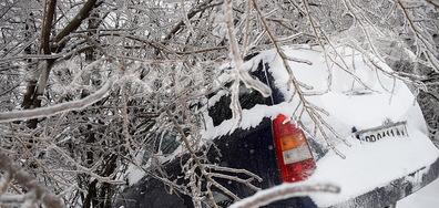 Опасни, ледени пътища в Разградско