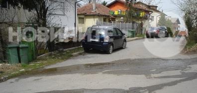 Теч на отпадни води на улица в София