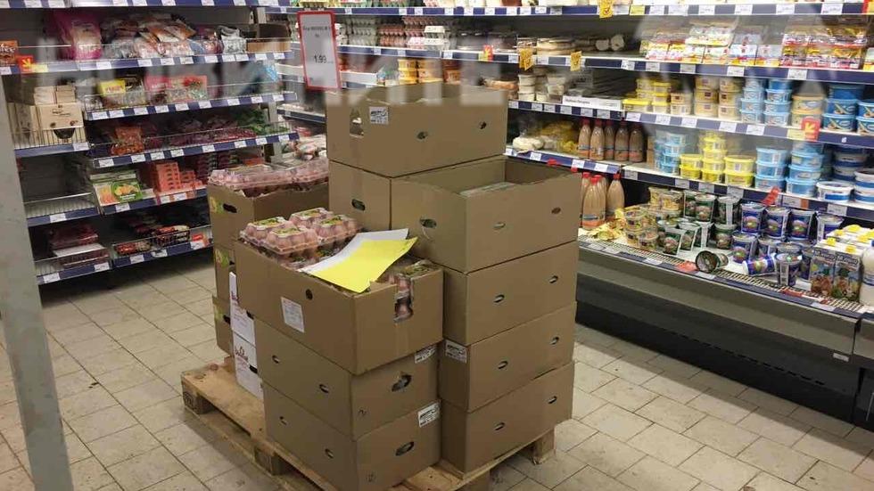 Опасни храни в столичен хипермаркет