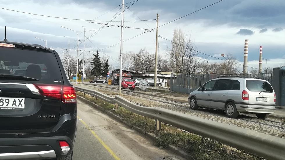 Шофиране по трамвайна линия