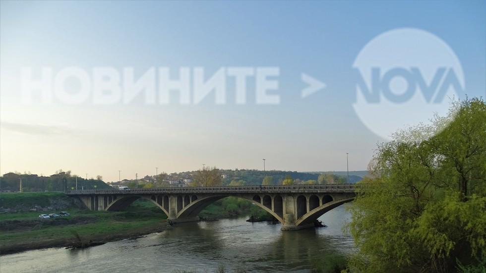 Мостът на Кольо Фичето