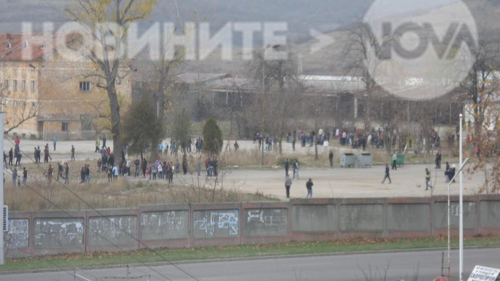 Бунт и протест в бежанския лагер в Харманли