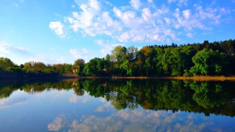 Отражения на езерото