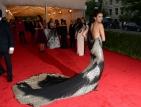Българската звезда Нина Добрев превзе най-важното модно събитие в Ню Йорк
