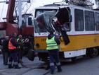 Няма сериозно пострадали при удара между трамвай и автобус