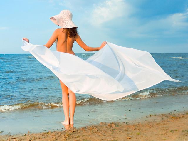 Вижте найдобрите плажове за нудисти в Европа СНИМКИ16