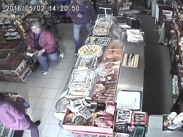 Крадец в хранителен магазин