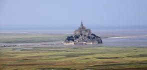 Евакуираха френския остров Мон Сен Мишел