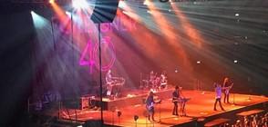 Хиляди пяха с Foreigner на грандиозно шоу в София (ВИДЕО)
