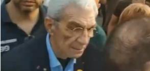 Тълпа преби кмета на Солун (ВИДЕО)