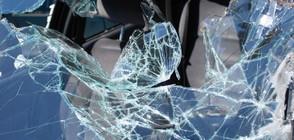 ЧЕЛЕН УДАР: Загинал и ранени при катастрофа на път Е-79