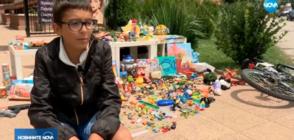 Деца продават играчките си, събират пари за бездомни кучета (ВИДЕО)