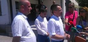 Ангел Джамбазки на проверка в мигрантския център в Харманли