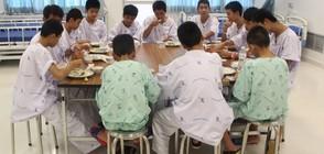 Как децата от Тайланд почетоха паметта на водолаза, загинал при спасяването им? (СНИМКИ)
