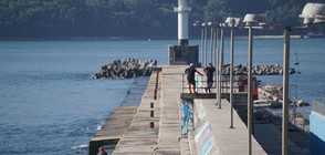 Откриха тялото на едното дете край вълнолома във Варна (ВИДЕО)