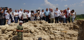 НАУЧНО ОТКРИТИЕ: Римската гробница край село Маноле няма аналог (ВИДЕО+СНИМКИ)