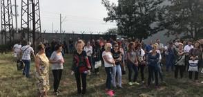 Запечатаха заводите на Миню Стайков, работниците на протест (ВИДЕО)