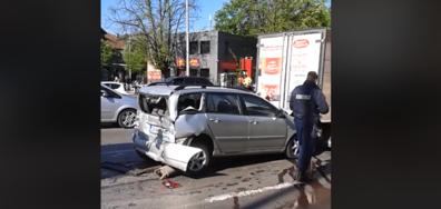 ВЕРИЖЕН СБЛЪСЪК: Два автобуса и пет коли се удариха в София (ВИДЕО)