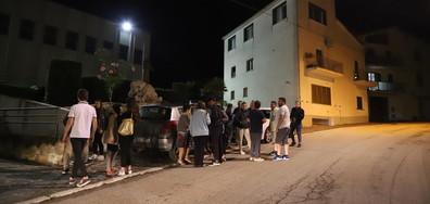 Притеснени италианци спаха на открито след девет труса (ВИДЕО+СНИМКИ)
