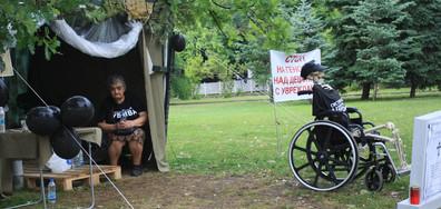 Майките на деца с увреждания канят всички депутати на среща