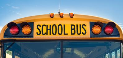 ГЕРОЙСТВО: Шофьор на училищен микробус почина в движение, но спаси децата