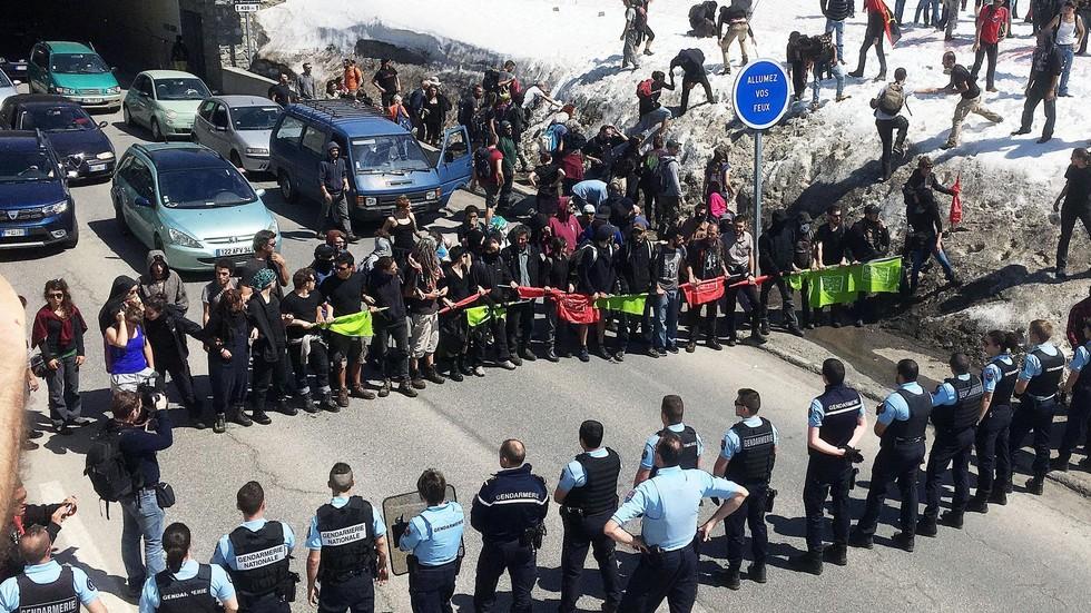 Франция изпраща подкрепления на границата с Италия
