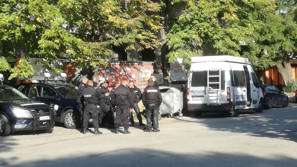 Петима арестувани заради нападение над полицаи в Гълъбово