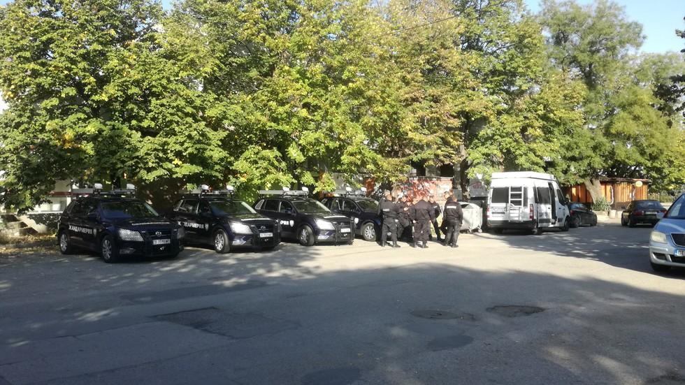Нападение над полицаи в Гълъбово, петима са арестувани (ВИДЕО)