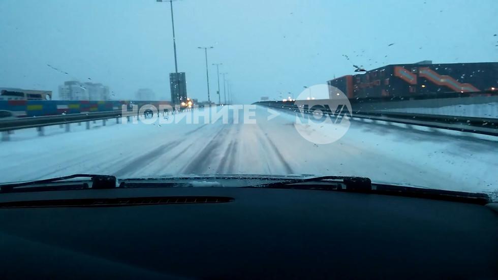 Снегопочистване в София - Северната скоростна тангента (ВИДЕО)