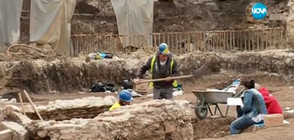 """Археолози откриха антични гробници под кино """"Сердика"""" (ВИДЕО)"""