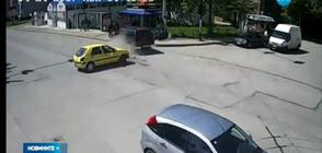 Джип помете ученици до автобусна спирка (ВИДЕО)