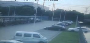 """Жена """"паркира"""" колата си в река (ВИДЕО)"""
