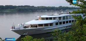 Концерт и арт инсталация във водите на Дунав (ВИДЕО)