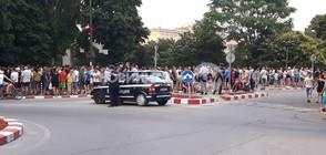 СЛЕД ПОБОЯ НАД УЧЕНИЦИ И ТРЕНЬОРИ: Хиляди на протест в Асеновград (ВИДЕО+СНИМКИ)