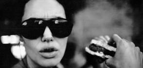 Брад Пит разпространи интимни снимки на Анджелина (ГАЛЕРИЯ)