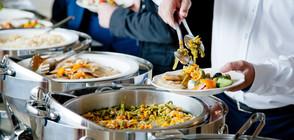 Сервират ли ни развалена и застояла храна в курортите? (ВИДЕО)