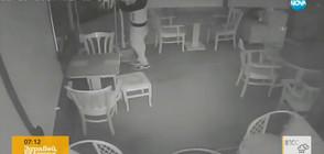 """""""Дръжте крадеца"""": Мъж задига телевизор от заведение"""