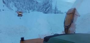 Швейцарски курорт отново е блокиран заради лавинна опасност