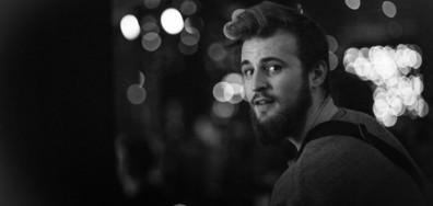 """Звездата от X Factor Ангел Ковачев с песен и роля в """"Ние, нашите и вашите"""""""