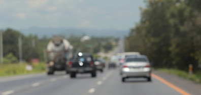 Километрично задръстване край Мездра заради свлачище (ВИДЕО)