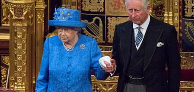 """Шапката на Елизабет II """"проговори"""" за Brexit (СНИМКИ)"""